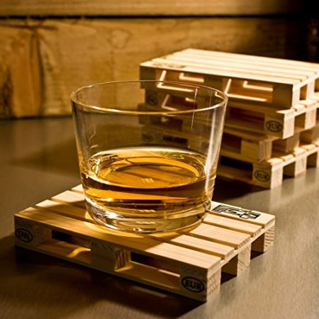 miniature wood pallets used for drink coasters
