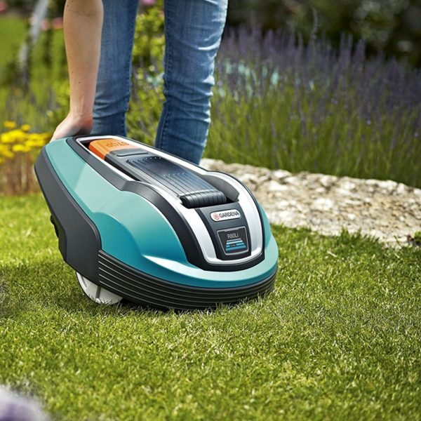 robot lawnmower that mows the lawn automatically without you lifting a finger