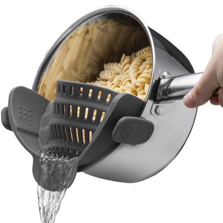 strainer that snaps onto any pot or pan rim to strain your food or pasta